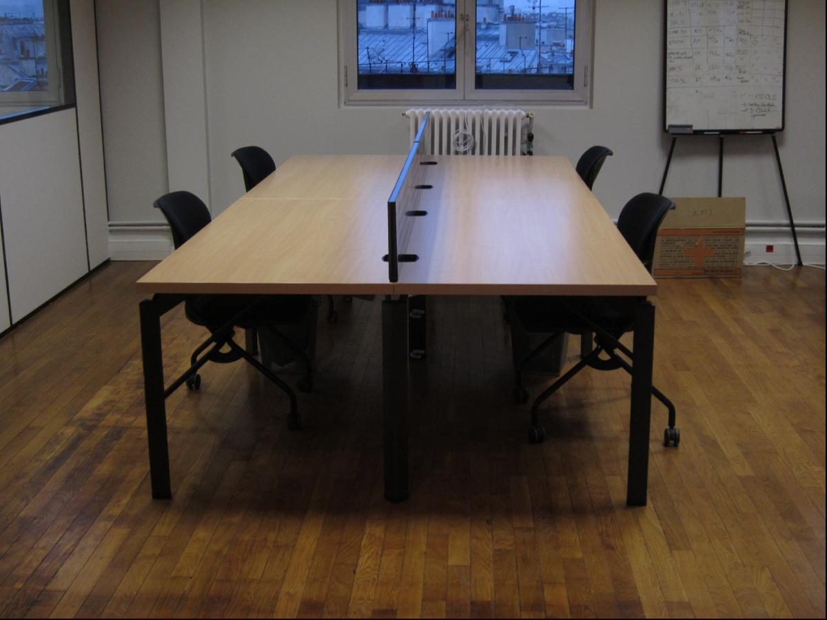 Bench haworth 4 postes avec cloison adopte un bureau for Mobilier bureau 4 postes