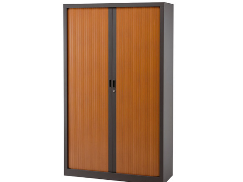 armoire a rideau occasion beautiful rideau metallique. Black Bedroom Furniture Sets. Home Design Ideas