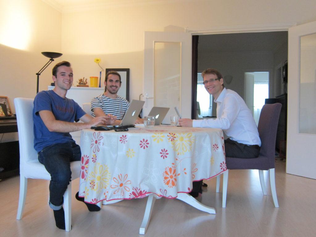 l 39 equipe adopte un bureau adopte un bureau. Black Bedroom Furniture Sets. Home Design Ideas