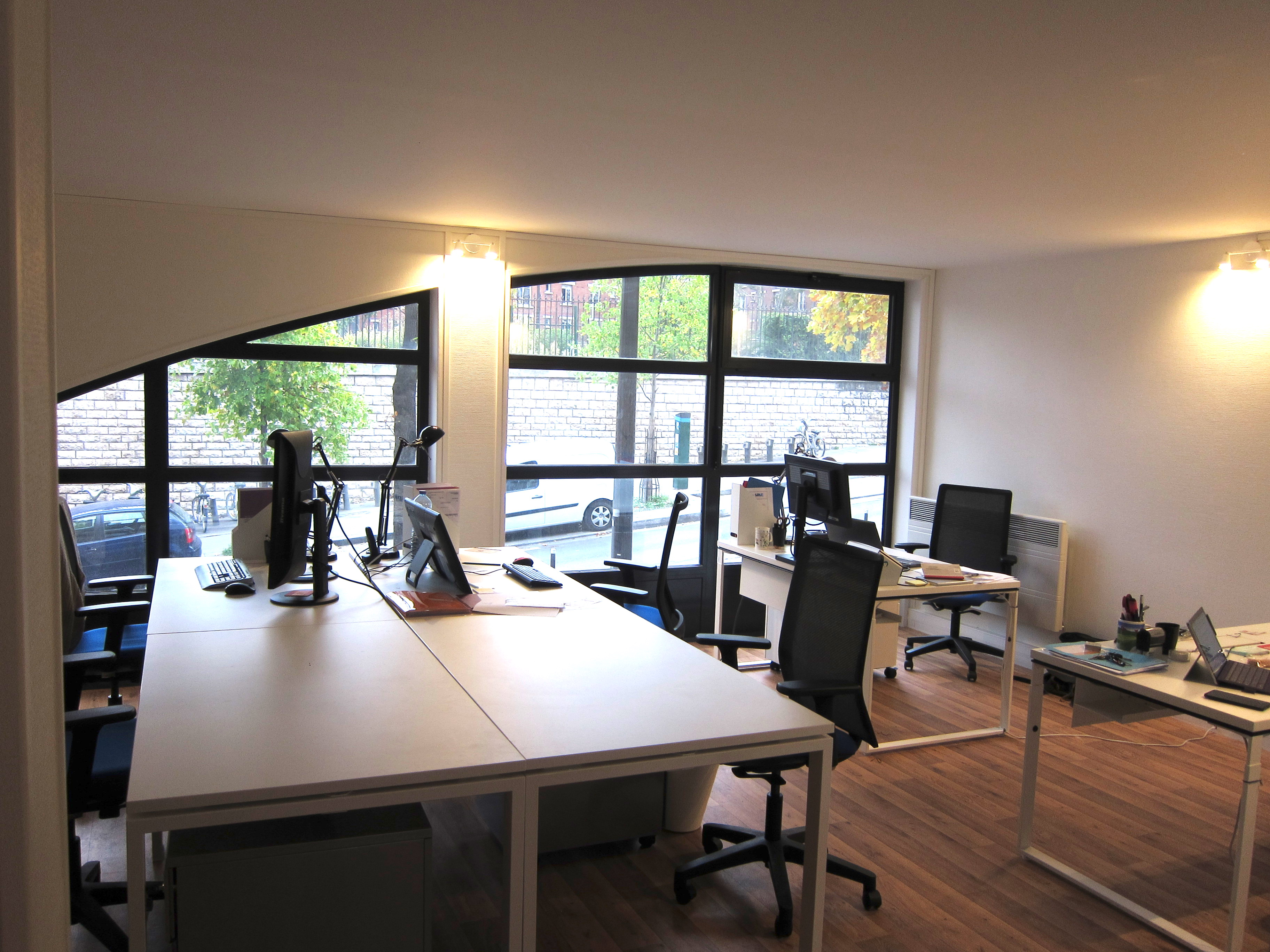 img 0042 adopte un bureau. Black Bedroom Furniture Sets. Home Design Ideas