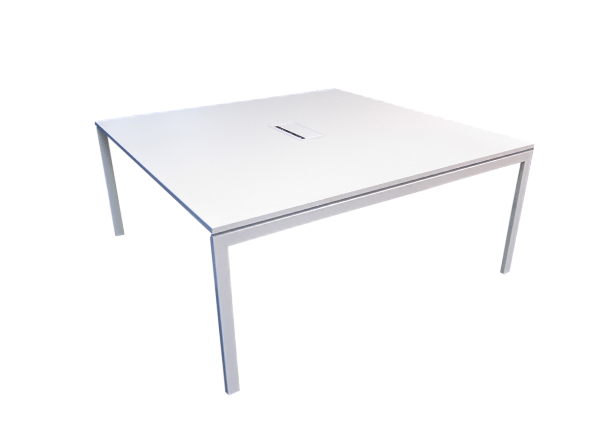 Table de r union blanche kinnarps adopte un bureau for Table de bureau blanche