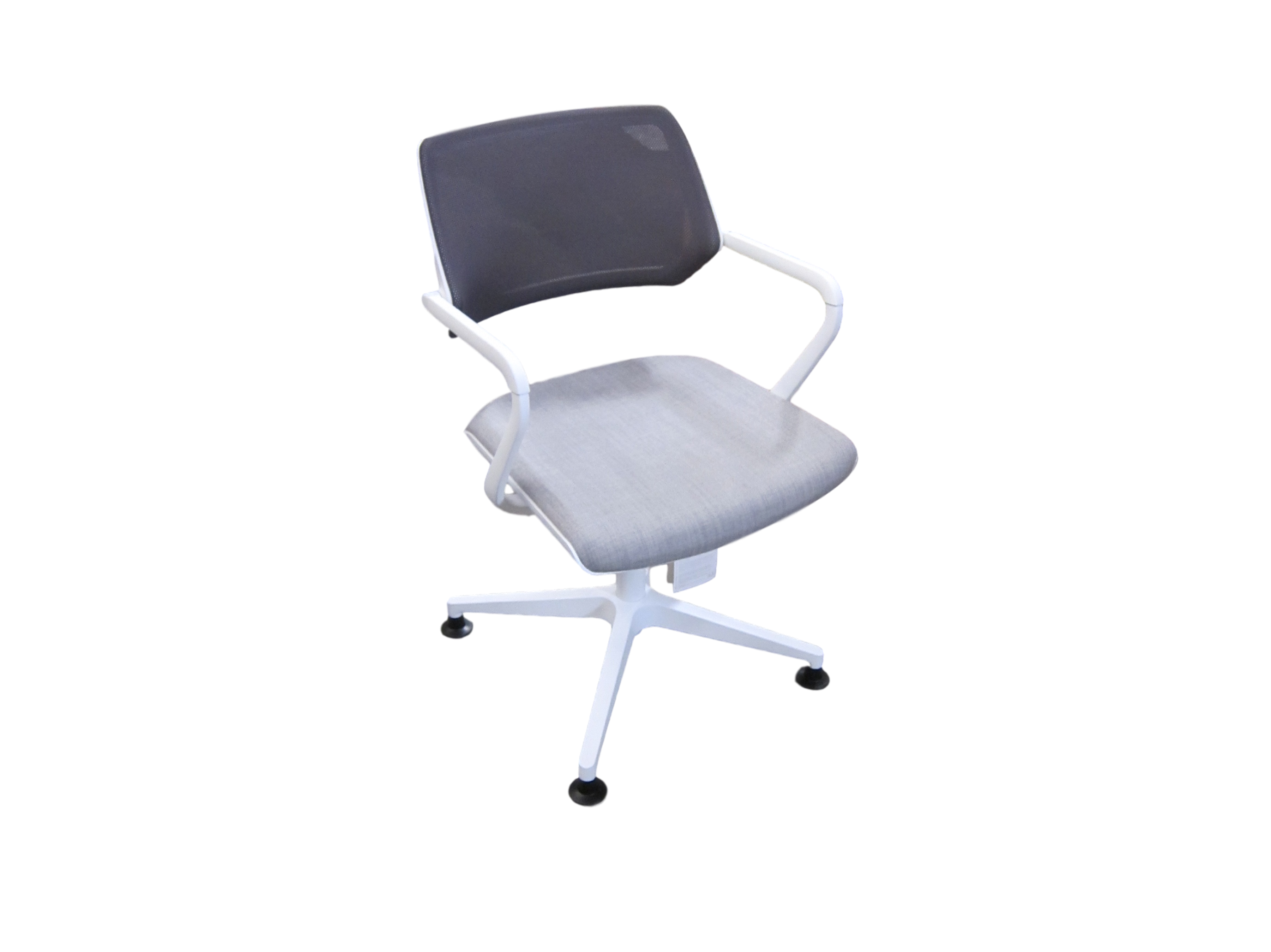 Chaise steelcase stunning mobilier steelcase bureaux tnt for Chaise occasion