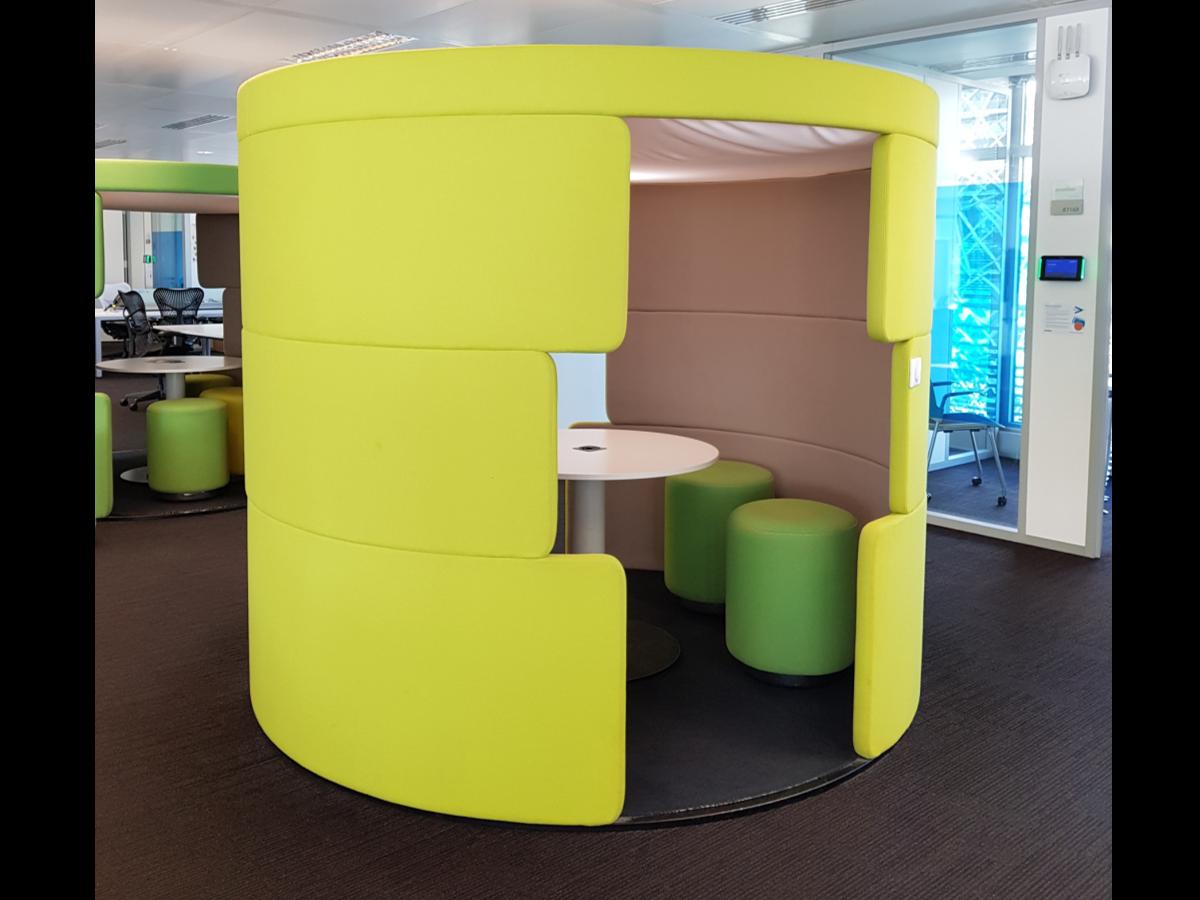 parcs toguna excellent etat adopte un bureau. Black Bedroom Furniture Sets. Home Design Ideas