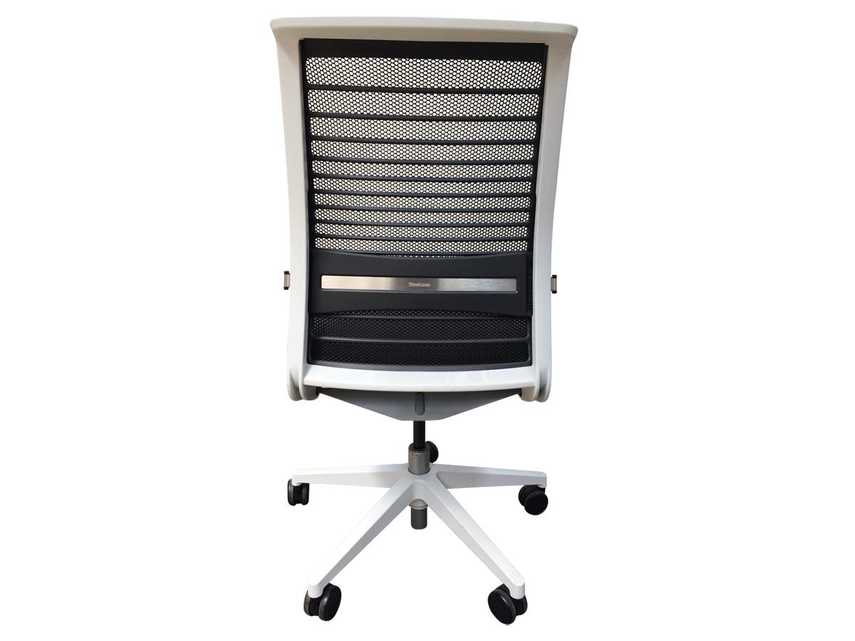 fauteuil steelcase think v2 mod le d 39 expo adopte un bureau. Black Bedroom Furniture Sets. Home Design Ideas