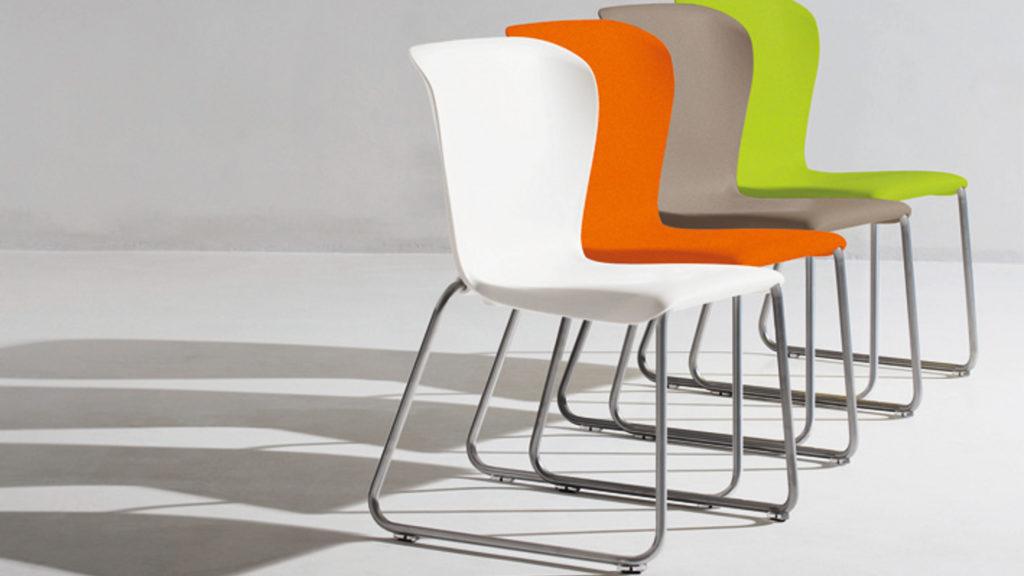 Quatres chaises de bureau