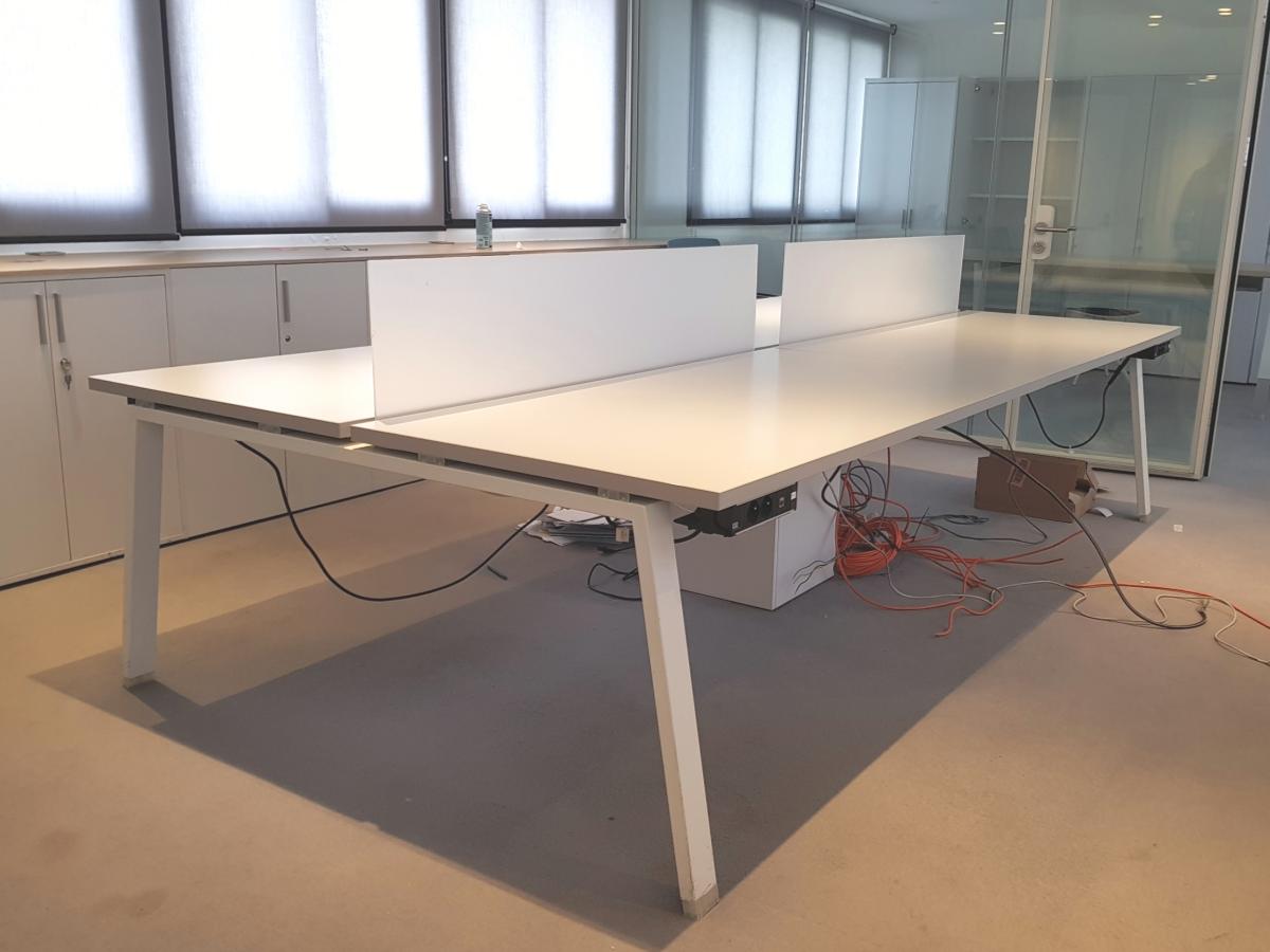 Bench personnes adopte un bureau