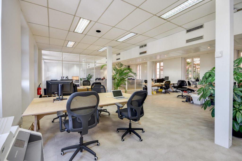 sièges adopte un bureau